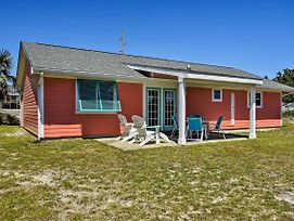 Colorful Emerald Isle Home, Walk To The Beach photos Exterior