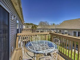 Branson Area Condo W/ Deck - Walk To Marina! photos Exterior