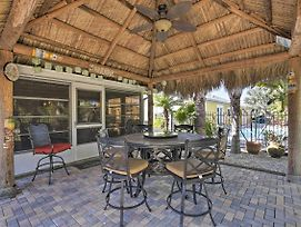 Holiday Home W/Outdoor Oasis -1 Mile To Beach photos Exterior