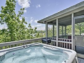 Resort Home W/ Hot Tub On Lake Of The Ozarks! photos Exterior