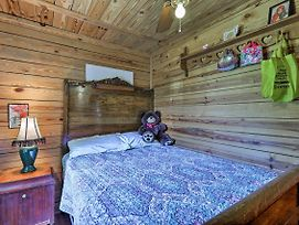 Secluded Cabin W/Pond - 37 Mi. To Gulf Coast! photos Exterior