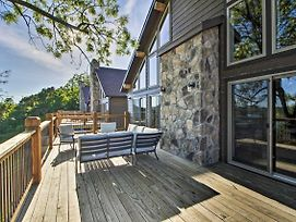 Table Rock Lake Home W/ Bluff Views Of Water! photos Exterior