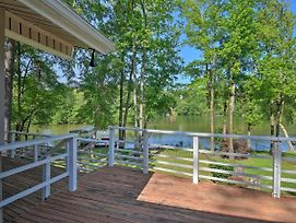 New-Hot Springs Lakefront Resort Home, Deck & Dock photos Exterior