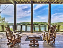 Spacious Cabin On Dale Hollow Lake W/Hot Tub! photos Exterior