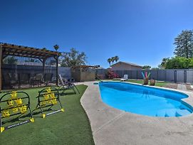 New-Updated Phoenix Home W/ Pool, Patio & Fire Pit photos Exterior