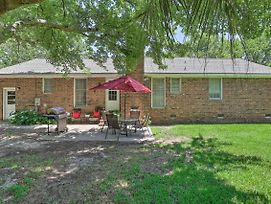 Mount Pleasant Home W/ Yard ~6 Mi To Beach! photos Exterior