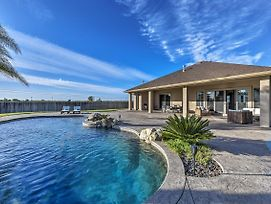 Event-Friendly Home In Elk Grove With Saltwater Pool photos Exterior