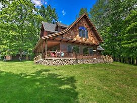 Lakefront Superior Cottage W/Deck & Boat Dock photos Exterior