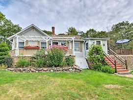 Charming East Boothbay Cottage With Large Yard! photos Exterior