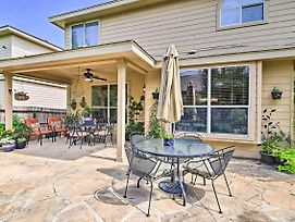 Home W/ Patio, Mins To Seaworld+Lackland Afb! photos Exterior