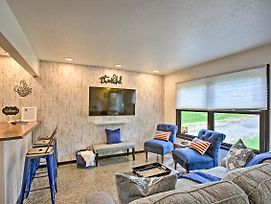 Traverse City Getaway With Grill, 1Mi To Silver Lake! photos Exterior