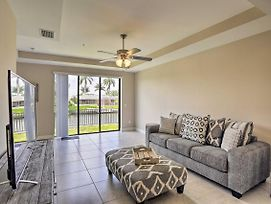 New-Bright Cape Coral Condo W/Pool Access On Canal photos Exterior