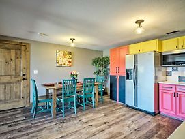 Bright, Renovated Home W/Views Of Pikes Peak! photos Exterior