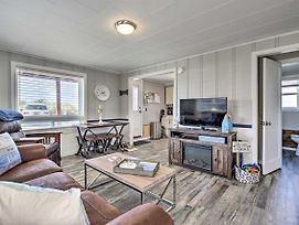 Oceanfront Rockaway Beach Condo: Pet-Friendly photos Exterior