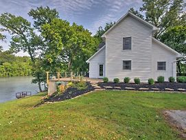 Riverfront House With Patio And Grill And Fishing Pier! photos Exterior