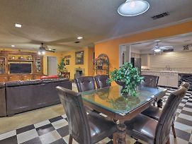 Spacious Home W/Deck ~2 Mi To Lake Arlington! photos Exterior