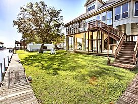 'Reelin And Dealin' New Orleans Waterfront Home photos Exterior