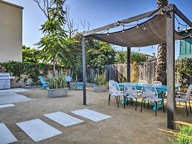 Remodeled Ventura Beach Home With Yard And Fire Pit! photos Exterior