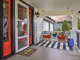 Vintage Apartment With Covered Porch - Walk Downtown! photos Exterior