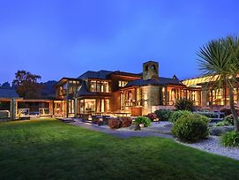 Horotane Lodge Luxurious Mansion photos Exterior