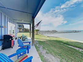 New Listing! Waterfront Copano Bay Condo W/ Pool Condo photos Exterior