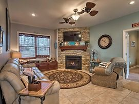 Lovely Home W/View & Private Dock On Kentucky Lake photos Exterior