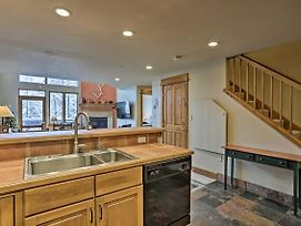 Cozy Ski Condo W/ Shuttle & Mountain Access! photos Exterior