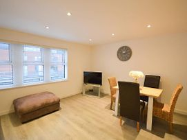 Spacious 2 Bed Flat With Parking In Bedminster photos Exterior
