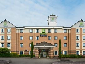 Holiday Inn Express London - Dartford photos Exterior