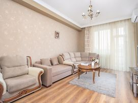 Central Yerevan 1 Bedroom Cozy Apartment photos Exterior