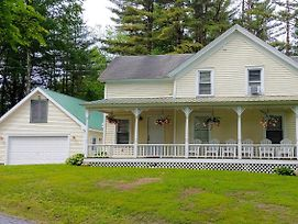 Beautiful Home With Deck, 10 Min To Lake George! photos Exterior