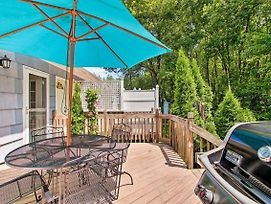 Narragansett House W/ Gas Grill - Walk To Beaches! photos Exterior