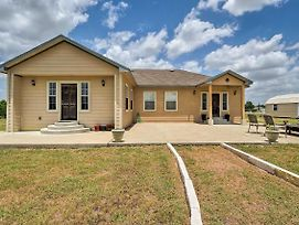 New! Austin Home On 3 Acres By F1 Racing Circuit! photos Exterior