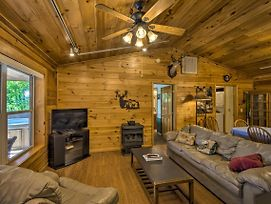 Deer Glen' Cabin W/Private Hot Tub & Porch! photos Exterior