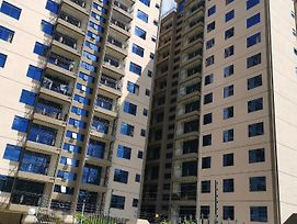 Fully Furnished 4Br Apartment With 9Th Floor View photos Exterior