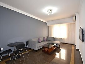 Buzand Street 1 Bedroom Newly Renovated Apartment Near Republic Square Bu777 photos Exterior
