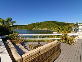 Mourea Lakefront Magic - Lake Rotoiti Holiday Home photos Exterior