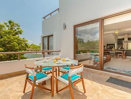 Enjoyable Penthouse Steps From Pool Free Access To Bahia Principe Resort photos Exterior