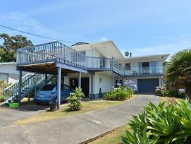 Nautilus - Whangaumu Bay Holiday Home photos Exterior