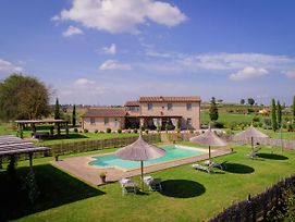 Typical Tuscan Farmhouse With Private Swimming Pool, 900M Away From A Small Bar photos Exterior