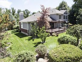 Incredible Sandy Home W/Large Deck, Mins To Skiing photos Exterior