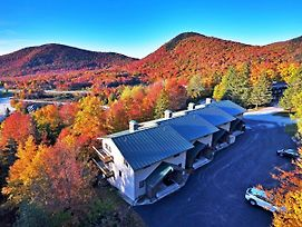 Killington Ski-In/Ski-Out Townhouse W/ Mtn. Views! photos Exterior