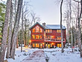 Spacious Alton Home Directly On Lake Winnipesaukee photos Exterior
