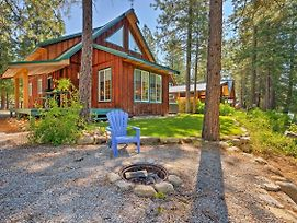 Riverfront 'Whispering River' Cabin W/ Hot Tub! photos Exterior