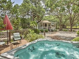 Charming Canyon Lake Cottage With Pool And Bbq Pit! photos Exterior