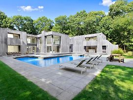 Lavish Sag Harbor House W/Pool & Tennis Court! photos Exterior