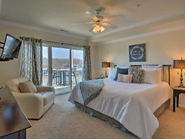 Lakefront Osage Beach Condo W/ Pool & Water Views! photos Exterior
