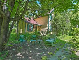 Sweet Fairytale Cottage' In Roscoe W/ Yard! photos Exterior