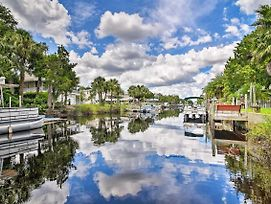 Canalfront Weeki Wachee Home W/ Private Dock! photos Exterior