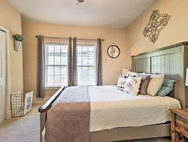 Charming Farmhouse ~8 Mi To Downtown Atlanta! photos Exterior